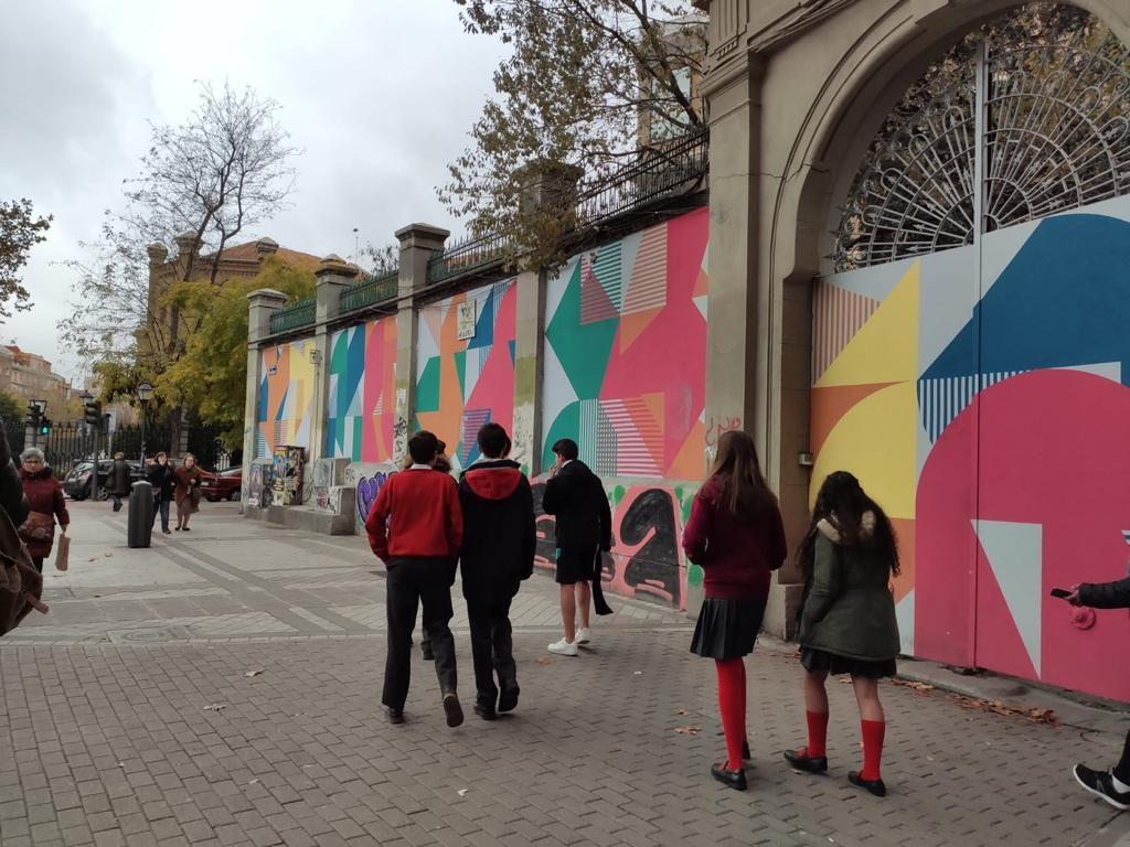 Madrid graffiti tour around Embajadores Square