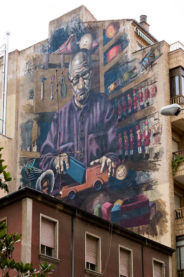 Mural painted in a facade