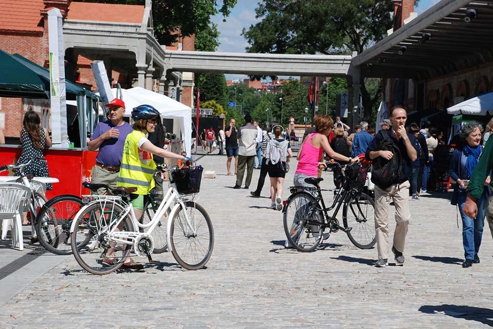off the beaten madrid bike tour