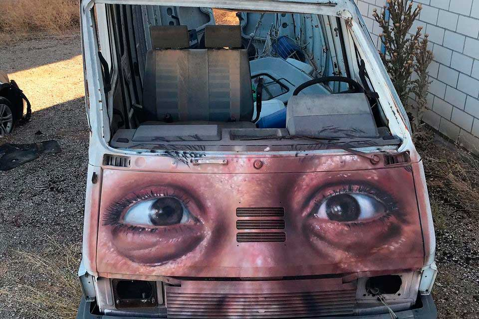 Abandoned van painted by Oxyz 86
