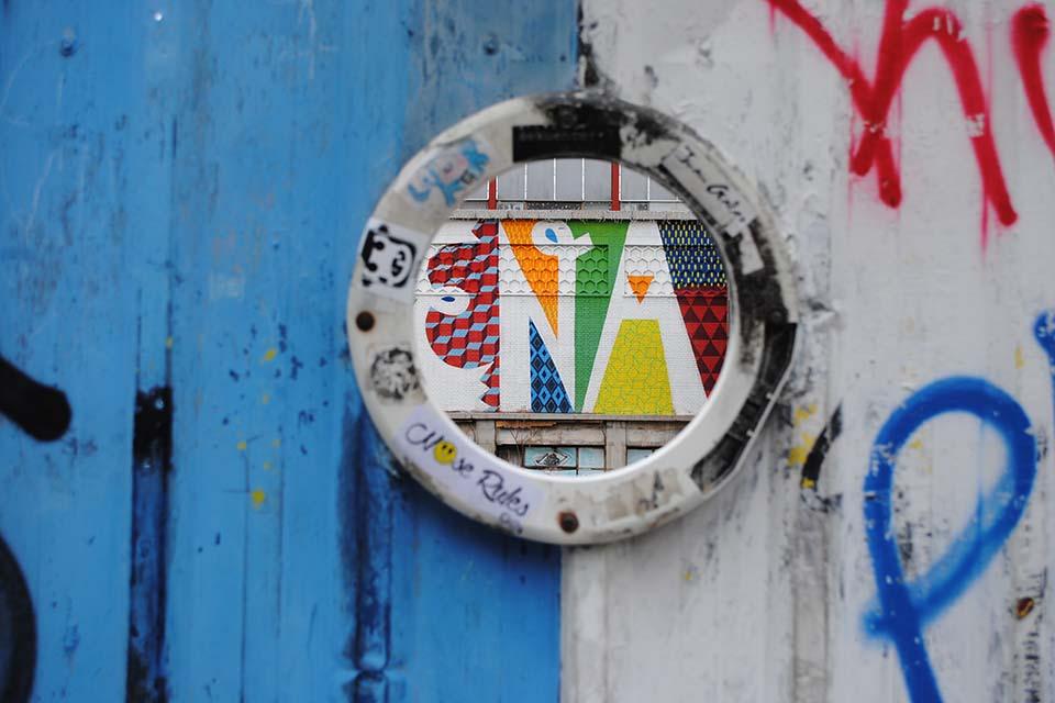 tour graffiti around La Latina metro station